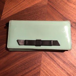 Kate Spade Chelsea Park Convertible Wallet